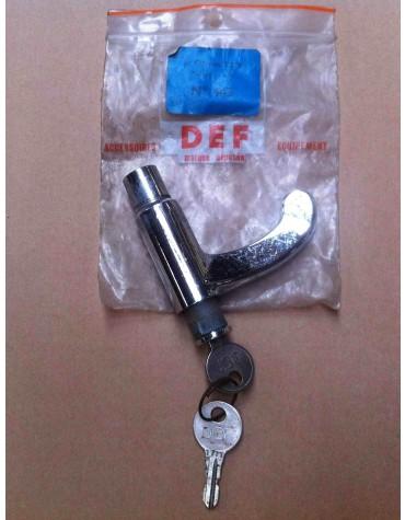Poignée de porte conducteur 2cv anciennes avec broche barillet et clé en accessoirie DEF* attention piqures sur le chrome