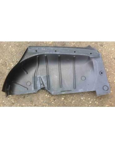 Passage de roue Gauche Ami8 break léger point de corrosion sur le haut voir photo