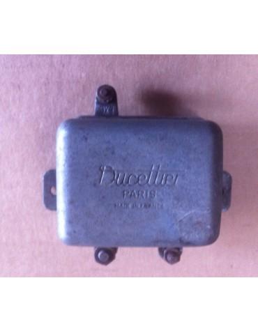 Régulateur Ducellier petit modèle 8212 A 2cv
