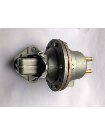 Pompe à essence Ami 6 avec levier d'amorçage avec raccords horizontaux en exclusivité chez Ami de la 2cv
