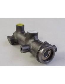 Maître-cylindre, 2 CV premier modèle sur châssis*
