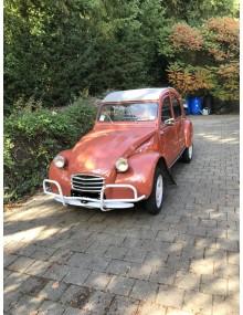 2cv rouge Pavot avec accessoires mise en circulation le 4 Novembre 1961 124000 kms historique connu