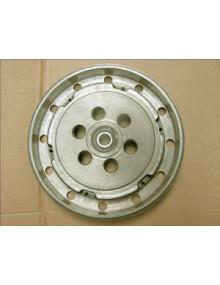 Tambour d'embrayage centrifuge  occasion 26 mm prévoir de poncer le plateau du disque d'embrayage qui est corrodé superficiellement, roulement à changer, photo non contactuelle