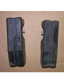 Paire de butoirs arrière Acadiane occasion ( manque fixations inférieures et latérales)