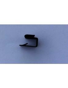 Agrafe de fixation de bavette d'aile sur l'aile avant Dyane/Acadiane  ( la pièce )