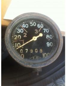 Compteur rond ED occasion gradué de 0 a 100 km/h avec son carter entrainement d'essuie-glaces vide sans mécanique *